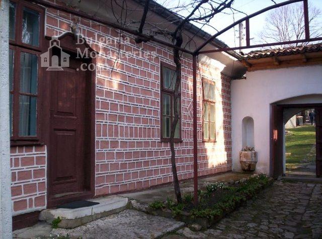 Арбанашки манастир (Снимка 7 от 14)