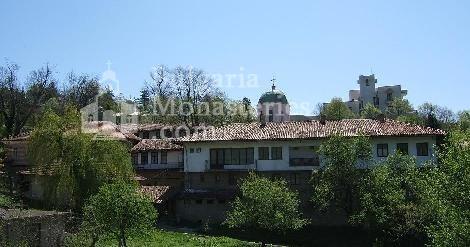 Арбанашки манастир - Изглед към манастира (Снимка 2 от 14)