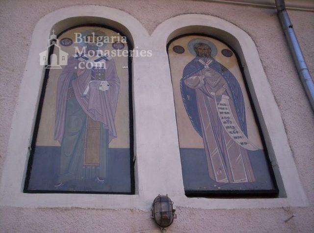 Арбанашки манастир - Надвходно пространство (Снимка 10 от 14)