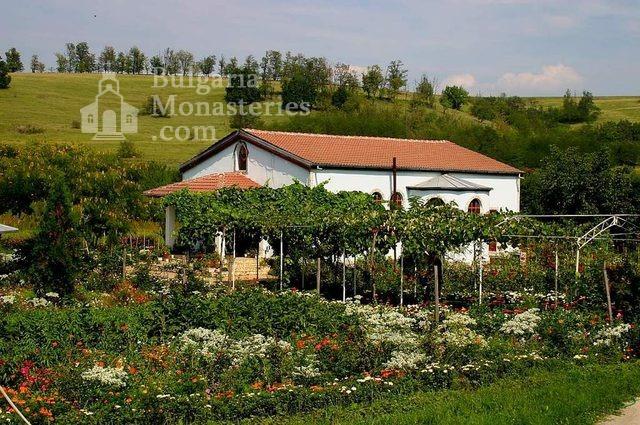 Айдемирски манастир (Снимка 1 от 11)