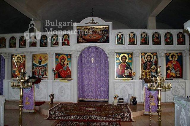 Айдемирски манастир - Олтарът в църквата (Снимка 5 от 11)