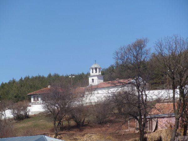 Балшенски манастир (Снимка 1 от 8)