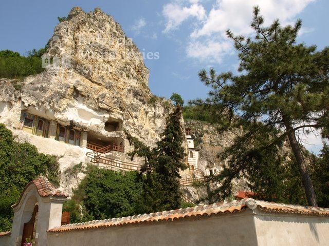 Басарбовски манастир (Снимка 2 от 34)