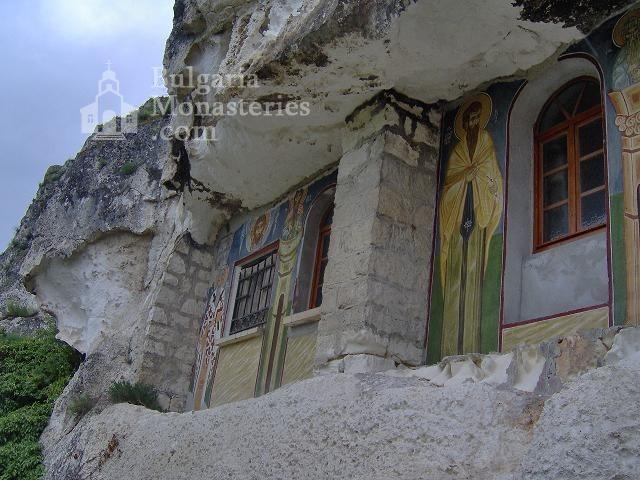 Басарбовски манастир - Църквата (Снимка 11 от 34)