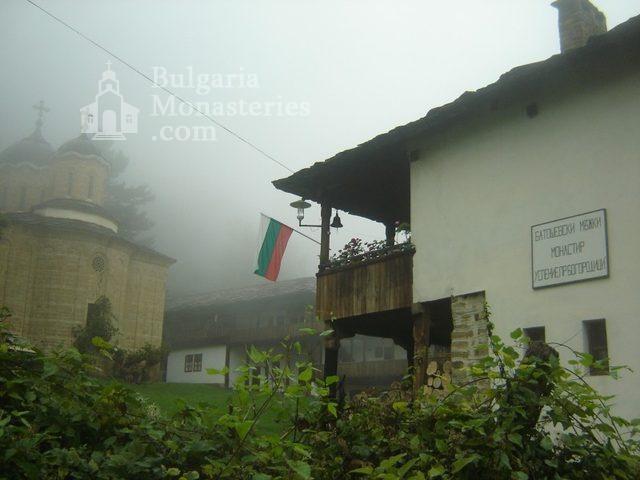 Батошевски манастир (Снимка 7 от 16)