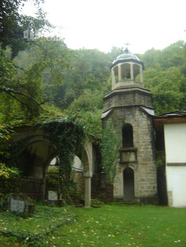Батошевски манастир (Снимка 9 от 16)