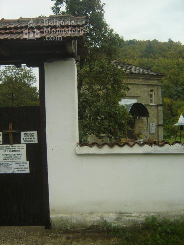 Батошевски манастир (Снимка 7 от 8)