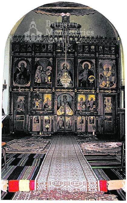 Батошевски манастир - Олтара в църквата (Снимка 3 от 8)