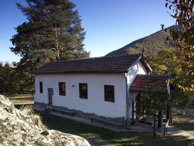 Батулийски манастир - Църквата на Батулийски манастир (Снимка 5 от 9)