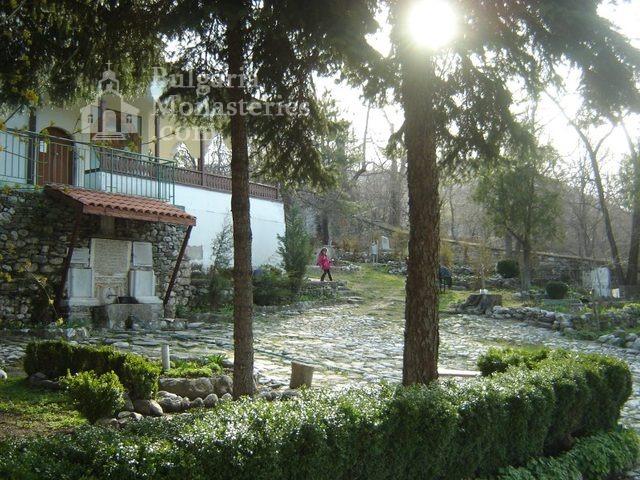 Белащински манастир - Дворът (Снимка 19 от 26)