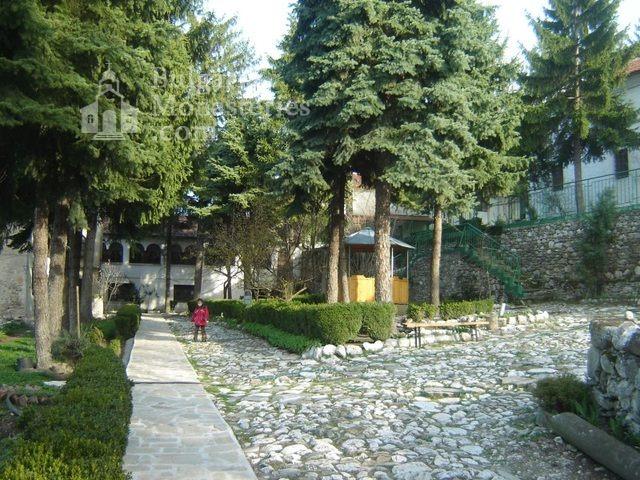 Белащински манастир - Дворът (Снимка 23 от 26)