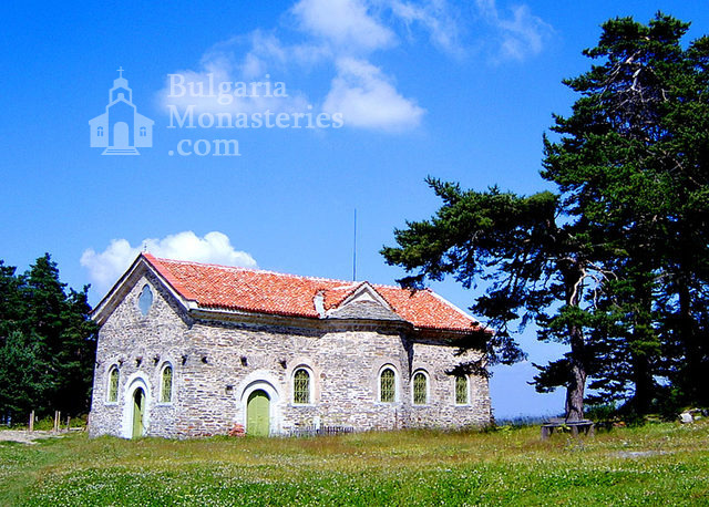 Белочерковски манастир - Църквата  (Снимка 2 от 12)