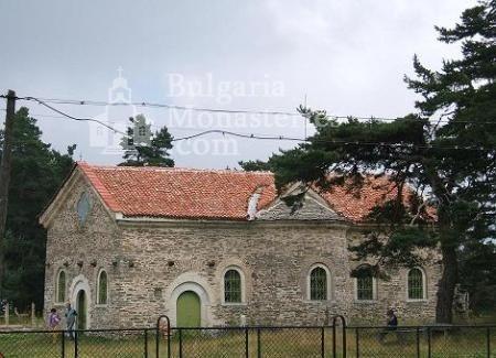 Белочерковски манастир - Църквата  (Снимка 3 от 12)