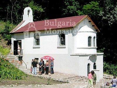 Ботевски манастир - Параклисът (Снимка 5 от 10)