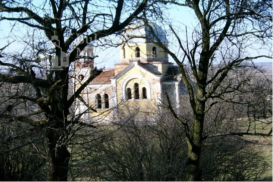 Брусарски манастир - Църквата
