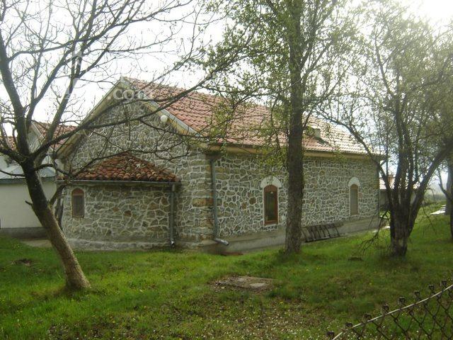 Букоровски манастир - Църквата Св. Георги от страната на олтара (Снимка 6 от 10)
