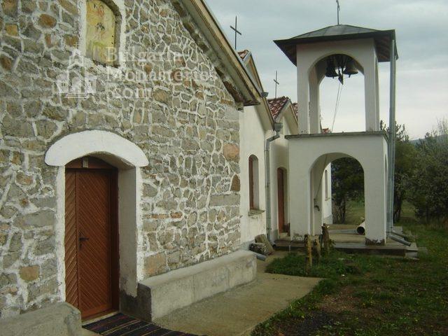 Букоровски манастир - Църквата Св. Георги с камбанарията (Снимка 3 от 10)