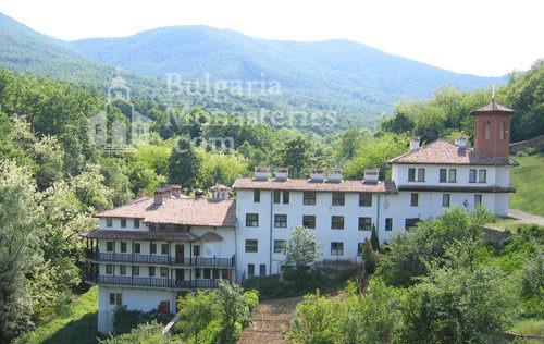 Чекотински манастир (Снимка 1 от 17)