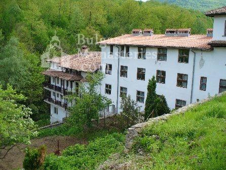Чекотински манастир - Комплексът (Снимка 4 от 17)