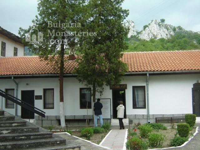 Черепишки манастир (Снимка 26 от 29)
