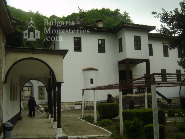 Черепишки манастир (Снимка 27 от 29)