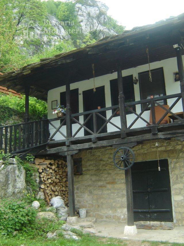 Черепишки манастир - Жилищните сгради (Снимка 13 от 29)