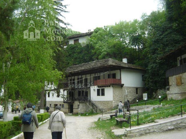 Черепишки манастир - Комплексът (Снимка 4 от 29)