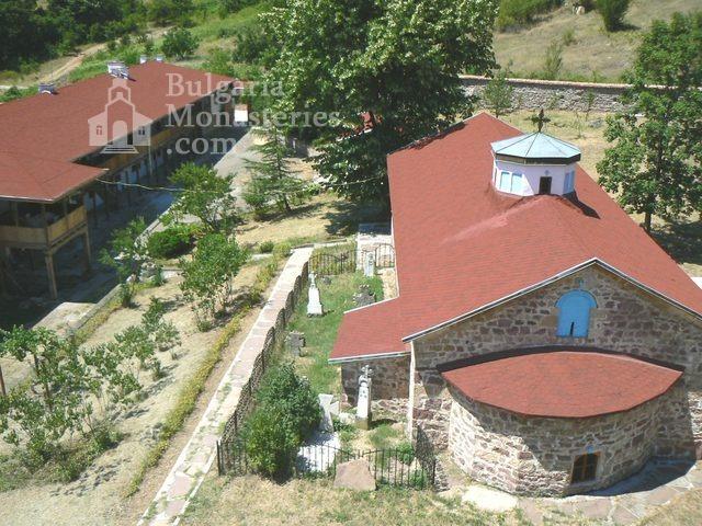 Чипровски манастир - Комплексът (Снимка 9 от 18)