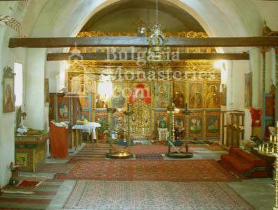 Чипровски манастир - Олтарът в църквата (Снимка 13 от 18)