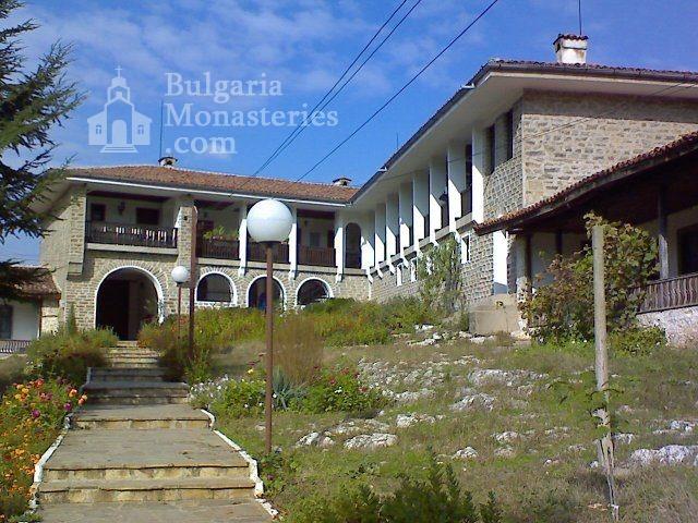 Чирпански манастир  (Снимка 1 от 30)