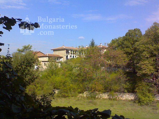 Чирпански манастир  (Снимка 5 от 30)