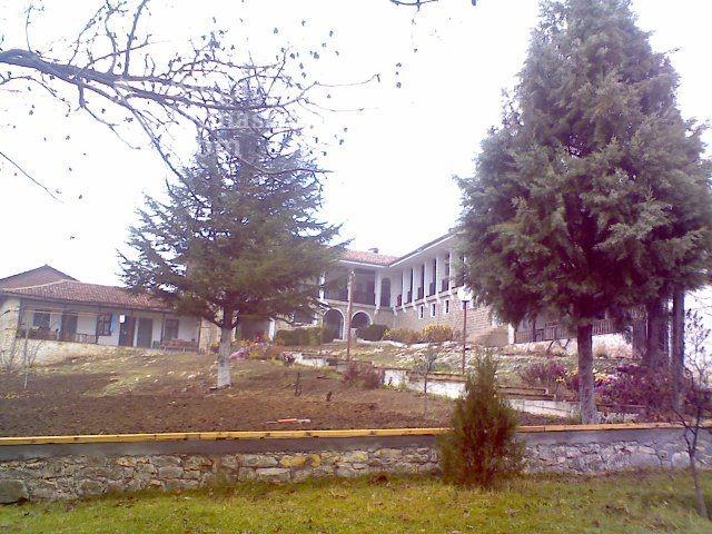 Чирпански манастир  (Снимка 9 от 30)