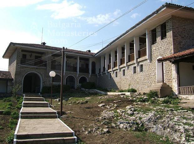 Чирпански манастир  - Комплексът (Снимка 19 от 30)