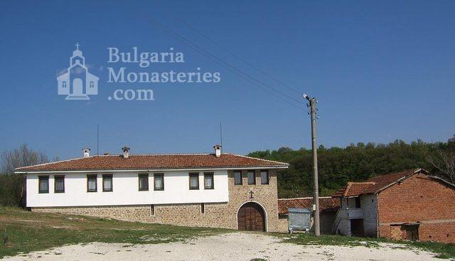 Чирпански манастир  - Манастирът от вън (Снимка 20 от 30)