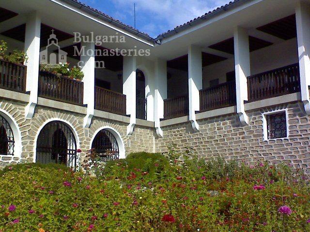 Чирпански манастир  - Новата жилищна сграда (Снимка 6 от 30)