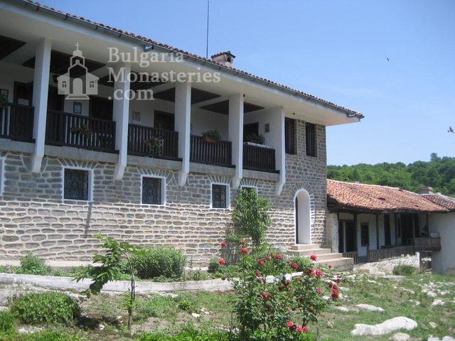 Чирпански манастир  - Новата жилищна сграда (Снимка 28 от 30)
