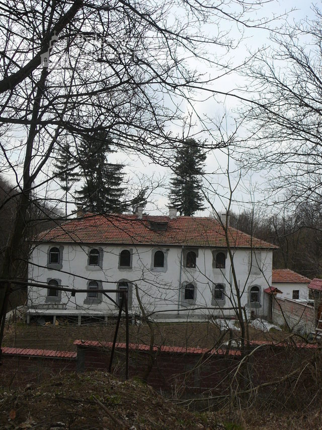 Дивотински манастир (Снимка 1 от 16)