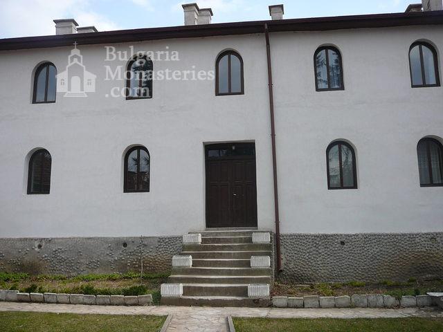 Дивотински манастир - Жилищната сграда (Снимка 6 от 16)