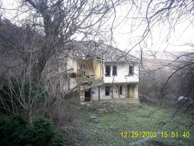 Долнобешовски манастир - Манастира (Снимка 6 от 6)