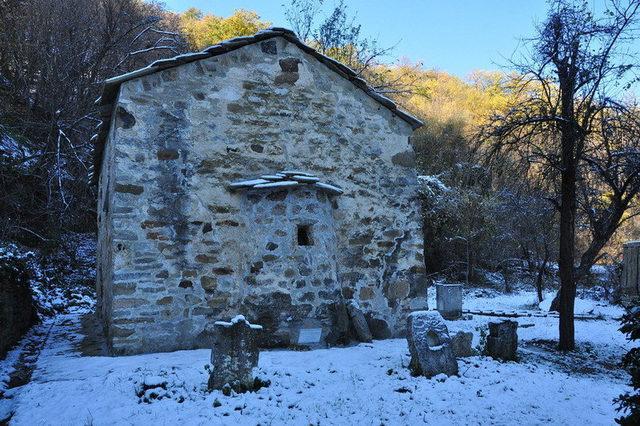 Долнобешовски манастир - Църквата (Снимка 3 от 6)