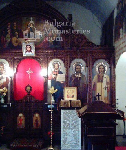 Драгалевски манастир - Олтарът в църквата (Снимка 13 от 22)