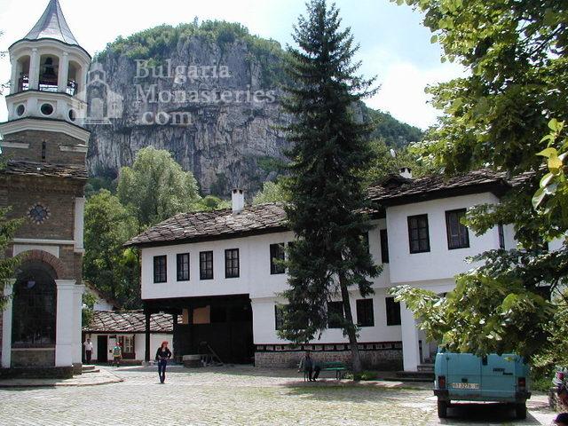 Дряновски манастир - Дворът (Снимка 21 от 22)