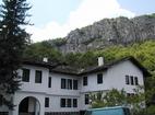Дряновски манастир - Жилищните сгради