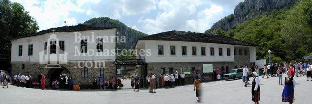 Дряновски манастир - Комплексът от вън (Снимка 22 от 22)