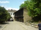 Дряновски манастир - Манастирският двор