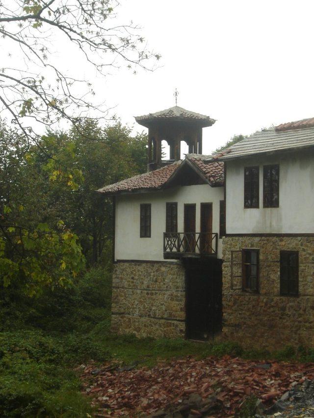 Етрополски манастир (Снимка 4 от 29)