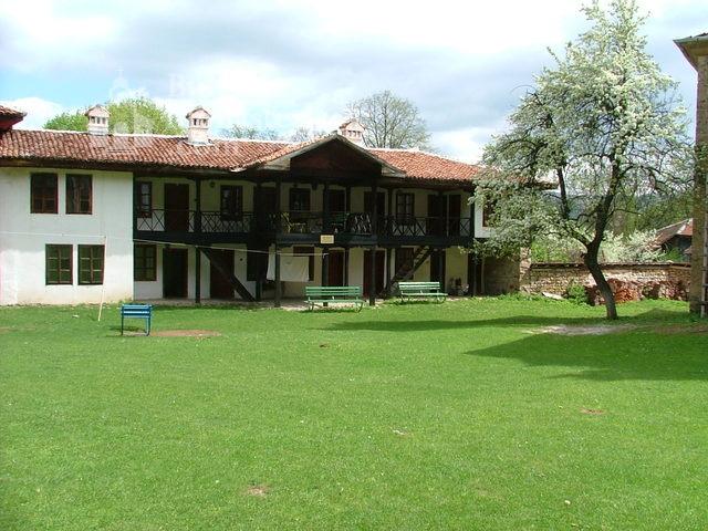 Етрополски манастир (Снимка 7 от 29)