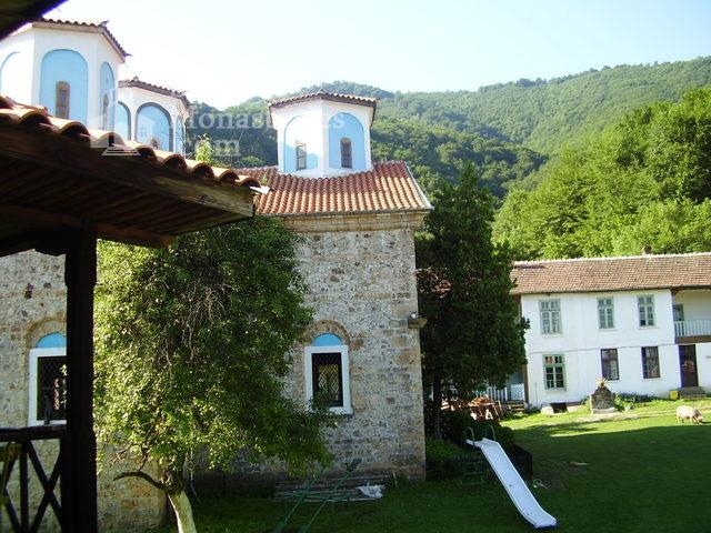 Етрополски манастир (Снимка 10 от 29)