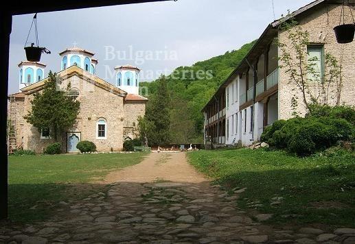 Етрополски манастир (Снимка 21 от 29)