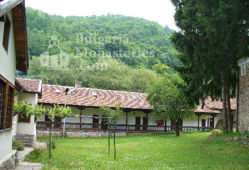 Германски манастир (Снимка 1 от 46)